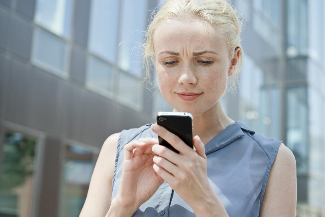 Vrouw mobiele telefoon